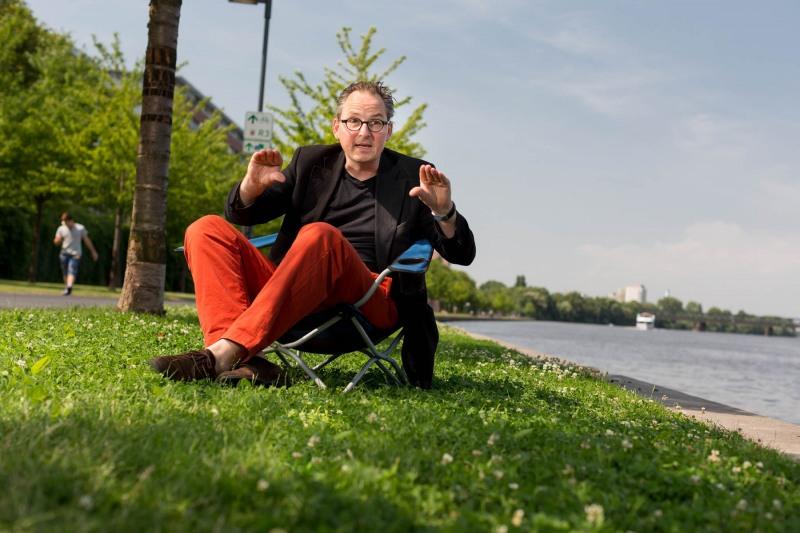 Montagsinterview mit Projektentwickler Eckart von Schwanenflug ---> Aufgenommen am 10. Juli 2013, Untermainkai, Frankfurt am Main, Niederrad, von Christian Christes >> Veröffentlichung nur gegen Honorar zzgl. MwSt, Tel: 0163 - 510 26 21, Mail: foto@wellenwerk.de