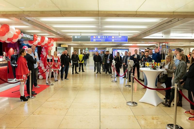 Grand Opening Best Worscht In Town +++ Aufgenommen von Christian Christes im Fraport Terminal 1A E0