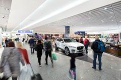 Shop&Win: Jaguar F-Pace +++ Aufgenommen von Christian Christes für die Fraport AG, im Terminal 1A, Heinemann DutyFree, Frankfurt am Main, Flughafen